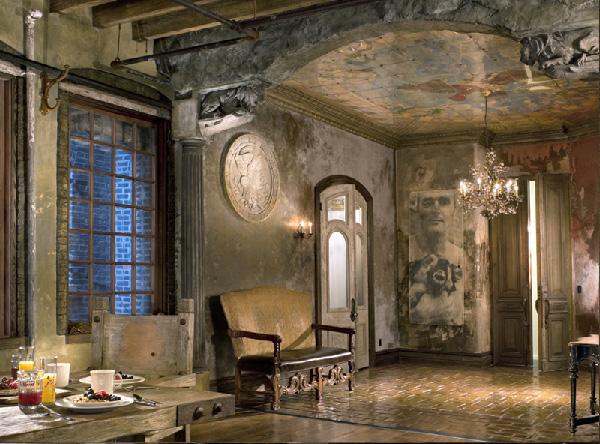 Gerard Butlers New York Loft Design Apothecary